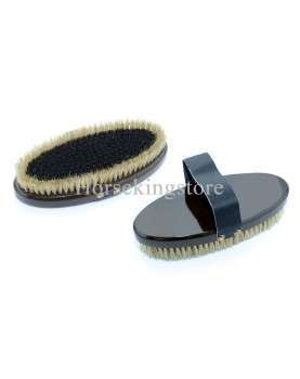 Two-level finishing brush with wooden handle